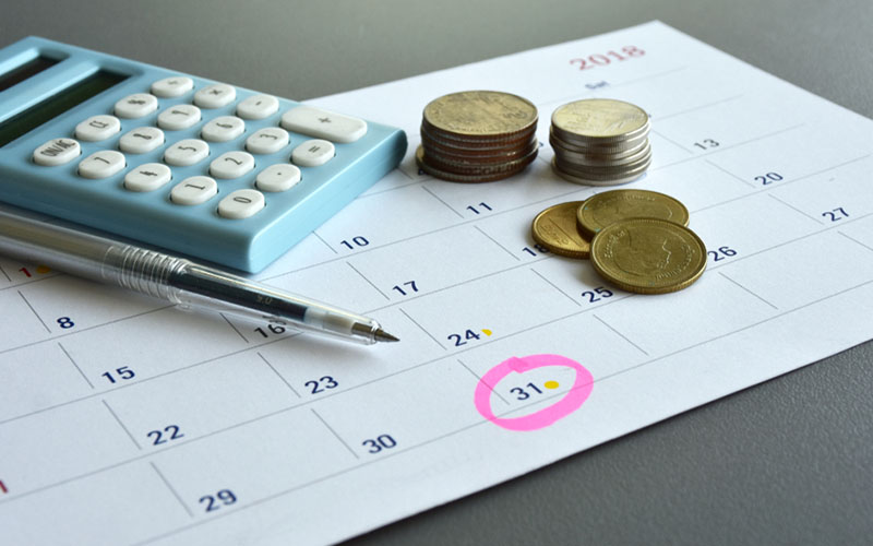 calendar showing month end date to remind of monthly accounting